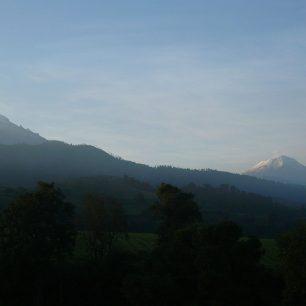 Vulkány Iztaccíhuatl a Popocatépetl, Mexiko