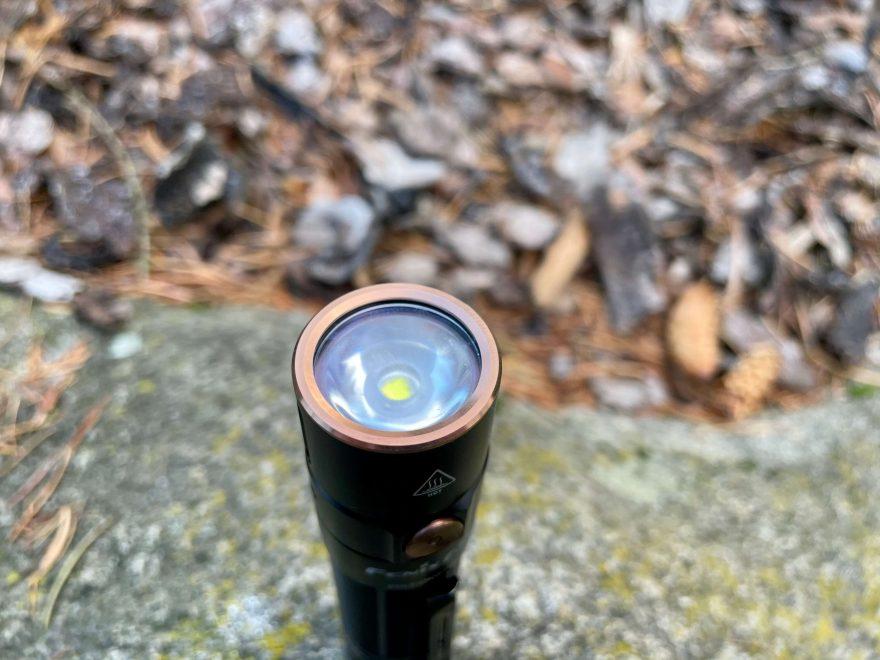 Pohled na LED diodu svítilny Fenix E35 V3.0.