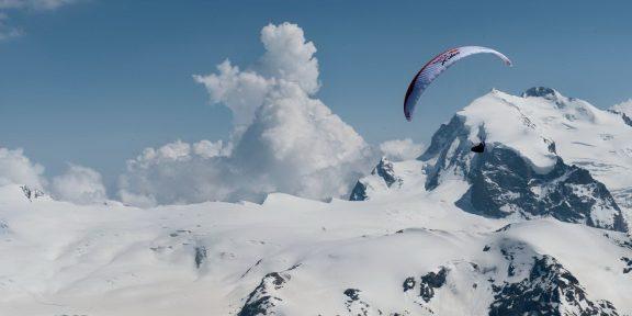 X-Alps – 1000 km přes Alpy na paraglidu i pěšky
