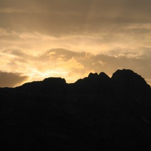 Západ slunce nad horami, Ala daglari, Turecko