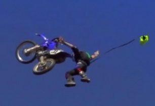 Na motorce až do oblak ... a pak zase dolů! + VIDEO