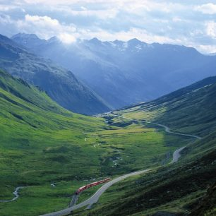 Pohled na Oberalp Pass